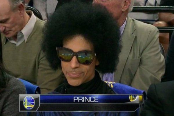 Amazing Prince moments that remind us why he was so damn amazing : theCHIVE