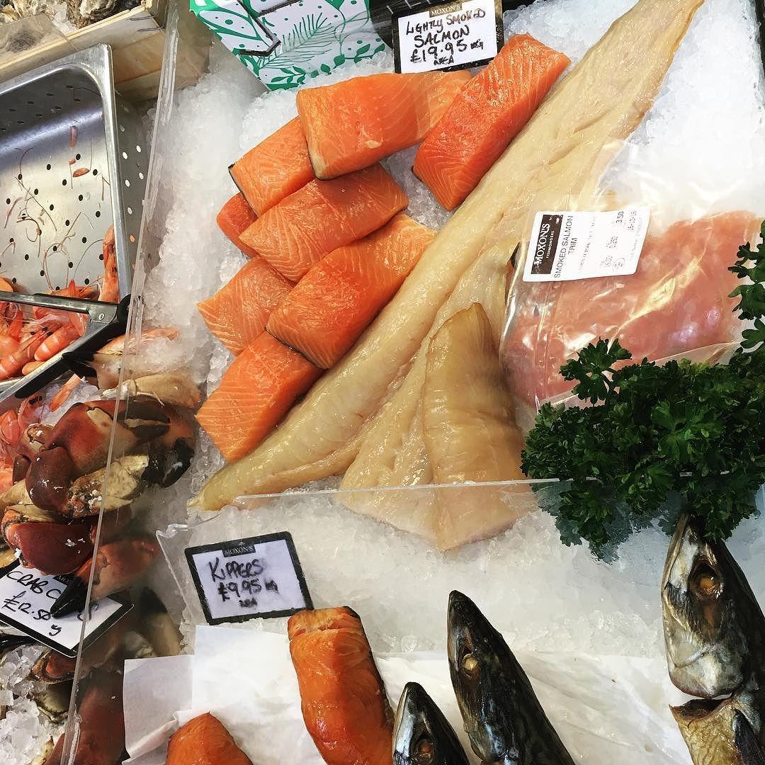 Diferentes tipos de salmón  con puntos de maduración
