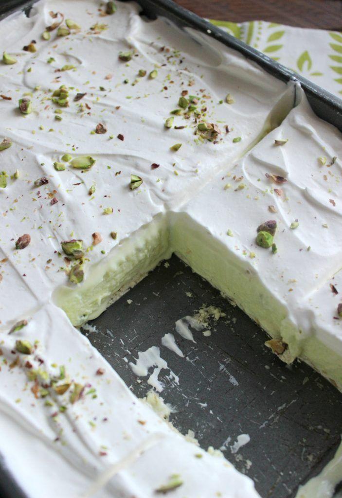 Pistachio Ice Cream Dessert I Dig Pinterest Recipe Pistachio Dessert Pistachio Ice Cream Cream Desserts