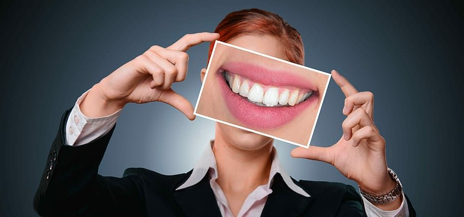 How To Choose The Right Beauty Dentist Dental Cosmetic Dentistry Dental Surgery