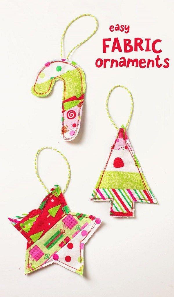 Tutorial: Scrap fabric Christmas ornament gift toppers #scrapfabric