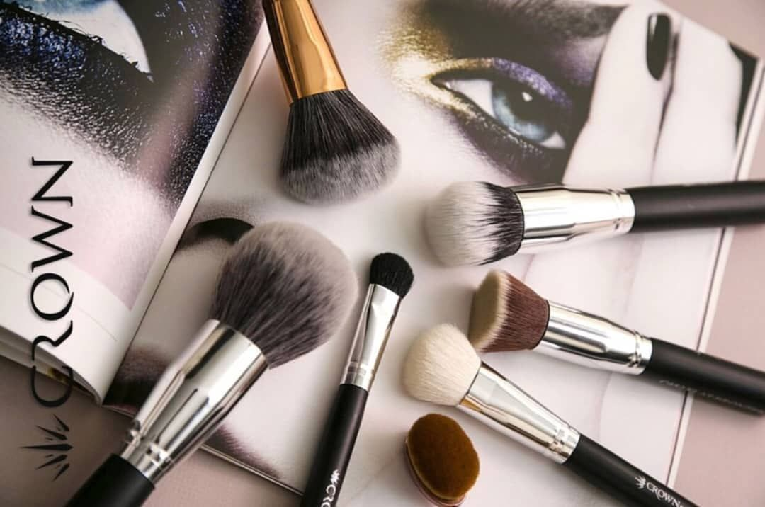 crownpro brushes It cosmetics brushes, Crown makeup