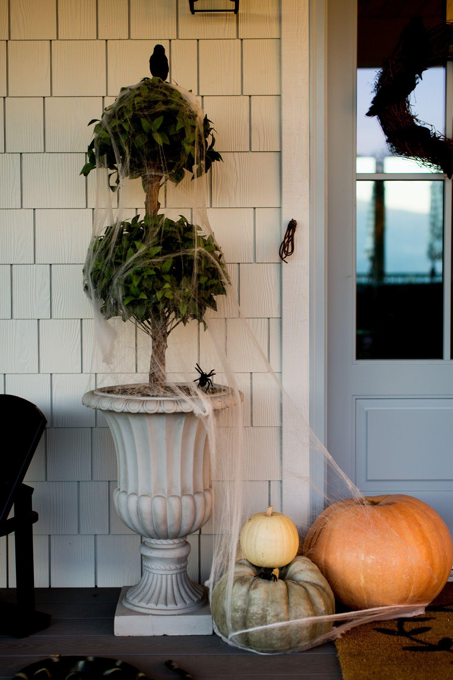 Jillian Harris Halloween Decorations Holidayz Pinterest - halloween house decoration ideas