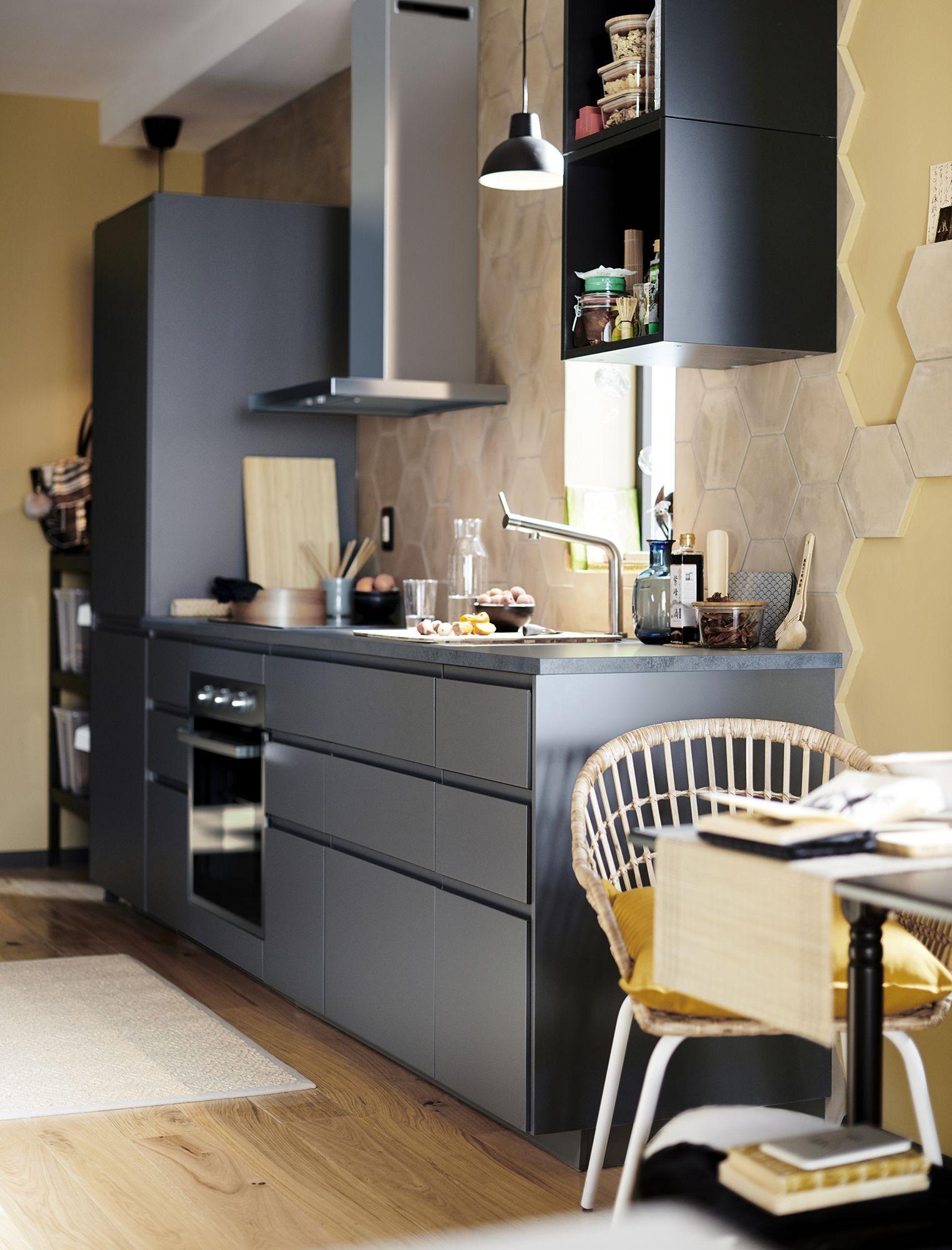 Descubre Antes Que Nadie El Catálogo Ikea 2020 Diseño De Despensa De Cocina Cocina Renovada Cocina Ikea