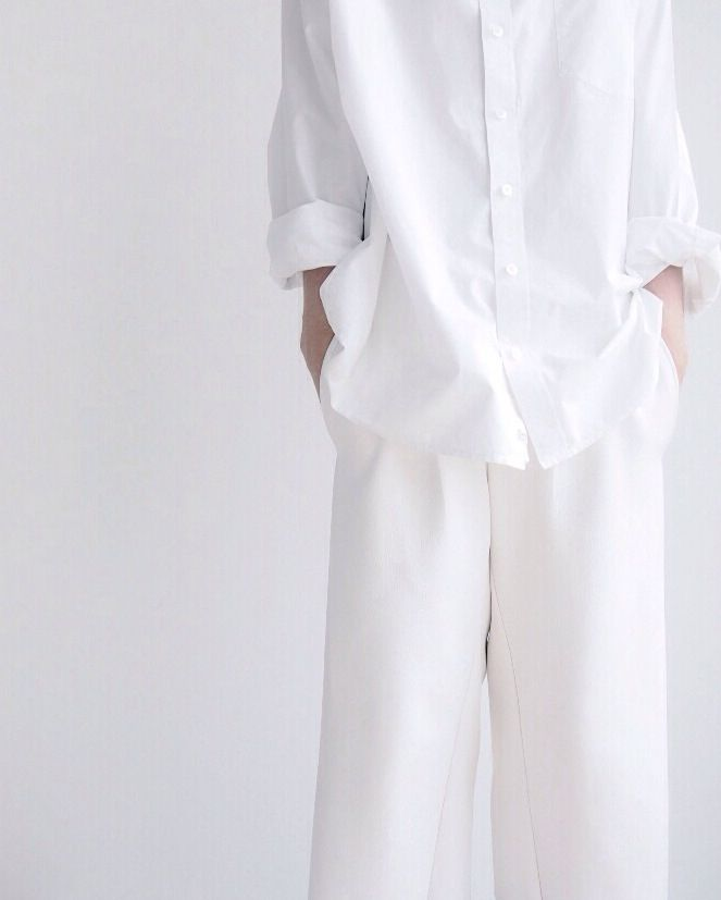 Minimal + Classic: All white everything