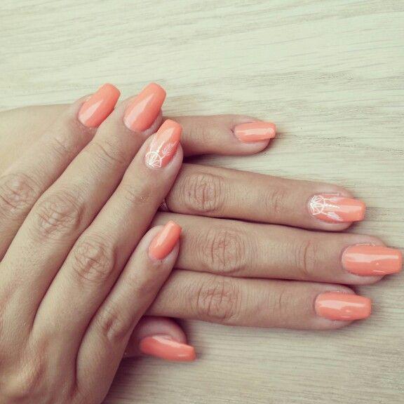 Ongles corail, orange pastel, déco attrapé rêve De jessica esthétique  bruxelles