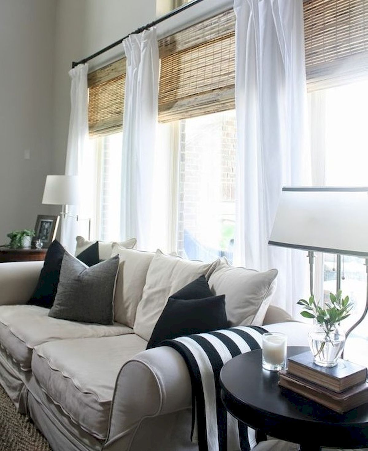 45 Adorable Modern Farmhouse Living Room Curtains Ideas