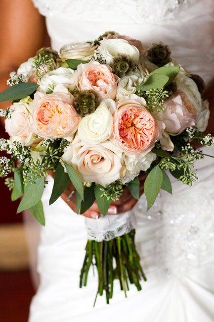 peach and ivory rustic bouquet--IN Photography--Beaver Creek Wedding | Mountainside Bride