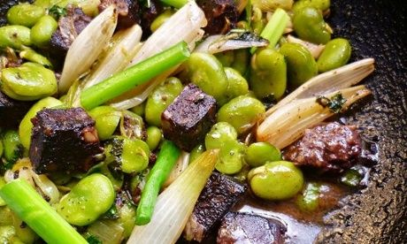 Spanish style broad beans with black pudding and mint. | morcilla, beans and mint. Find a sub for black pudding/morcilla, if it doesn't appeal, or leave it out completely.