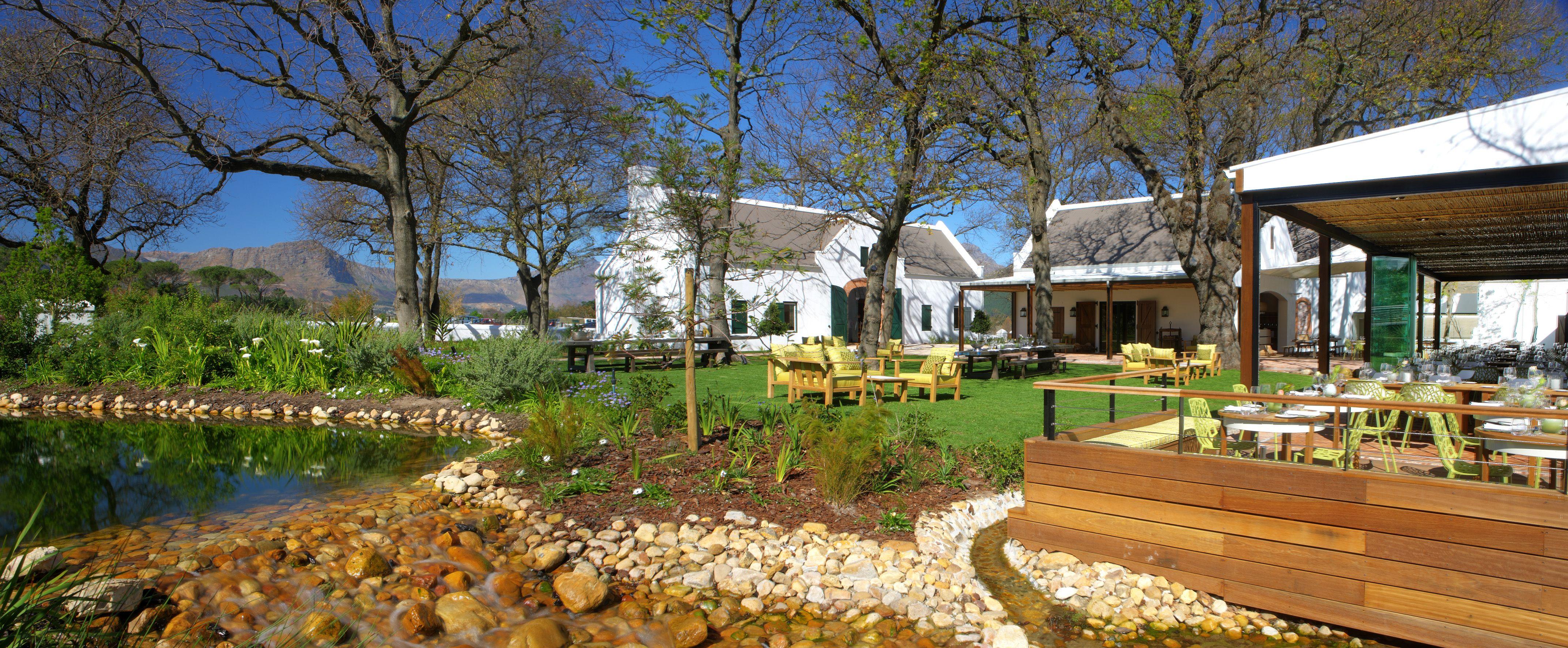 La Motte Courtyard And Pond Lamotte Courtyard Outdoors Estate House Styles Landscape Restaurant