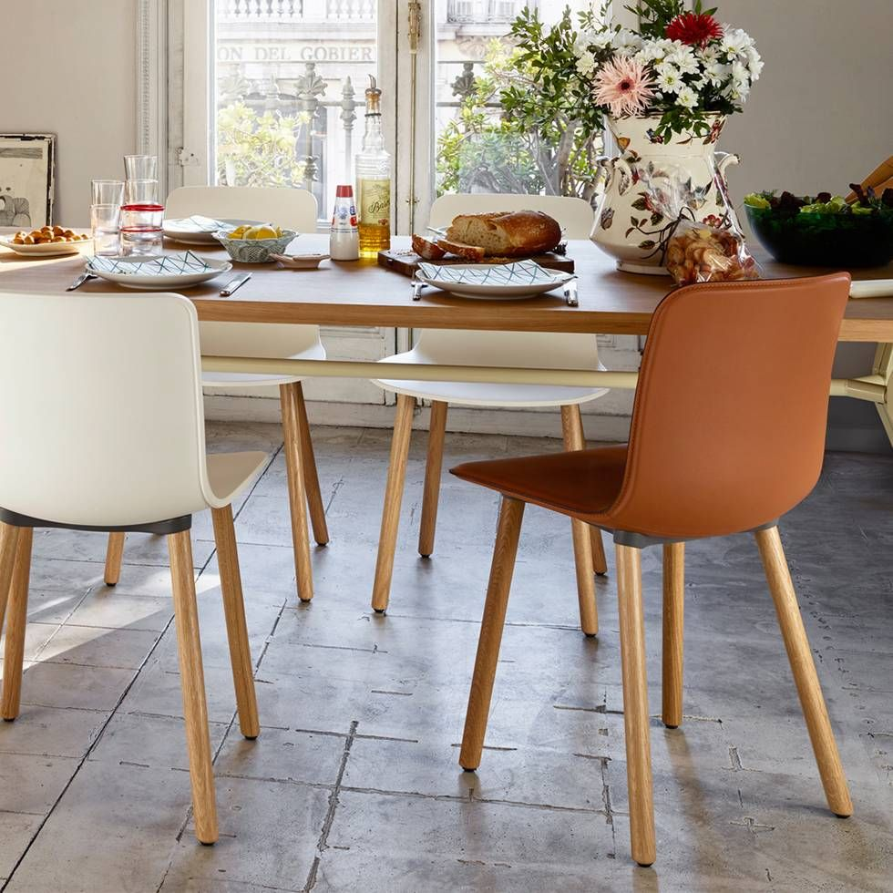 Vitra Hal Wood Stoel The Vitra Hal Leather Wood Dining Has A Wooden Base And The
