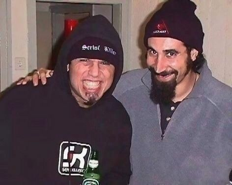 Tom Serj Tankian With Images System Of A Down Singer System