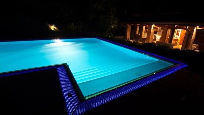 Eclairage piscine ampule led lumieres deco