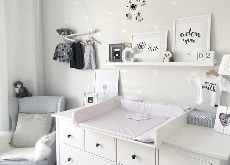 ikea kinderzimmer babyzimmer babygirl wandsticker wickelkommode hemnes ikeahack. Black Bedroom Furniture Sets. Home Design Ideas