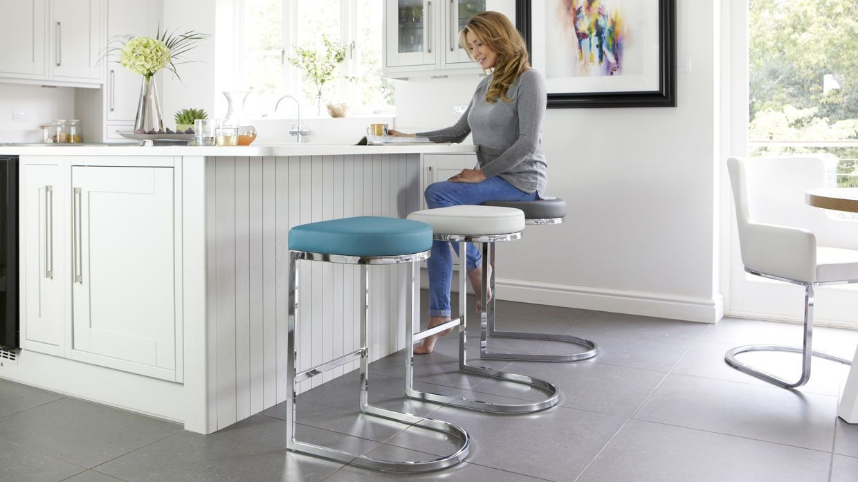 Form Chrome Bar stool