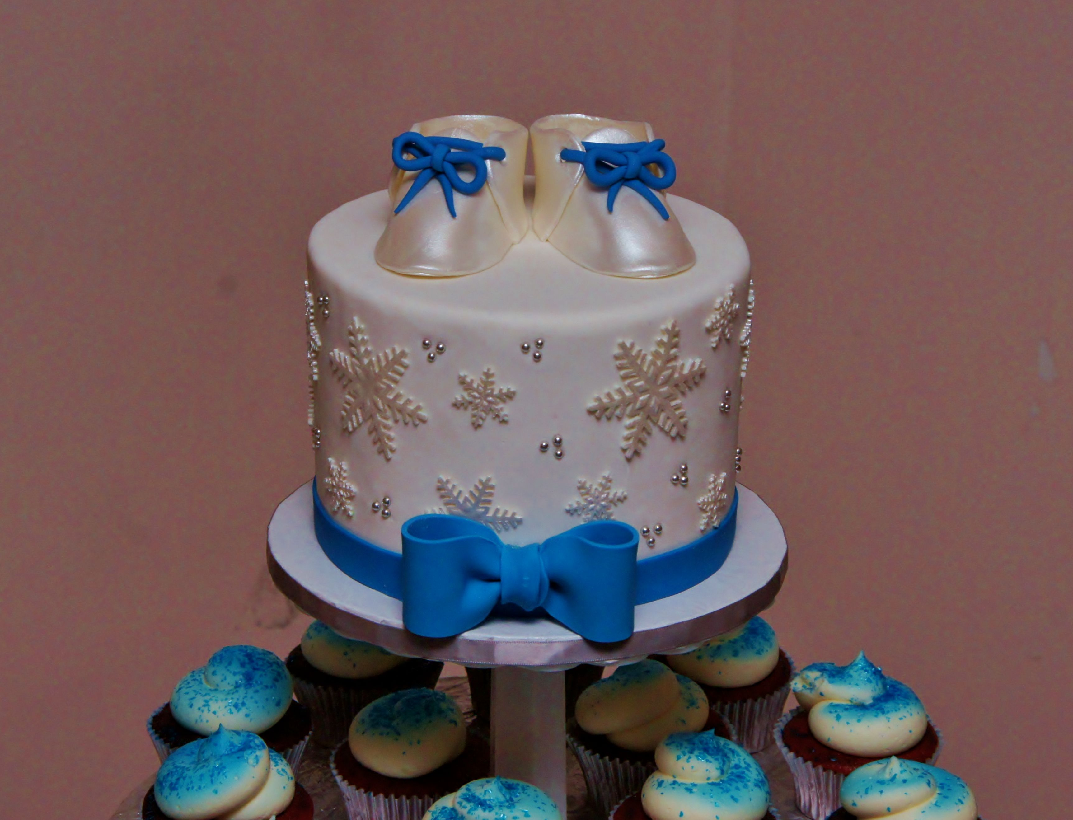 Royal blue white and silver baby shower with gumpaste keepsake