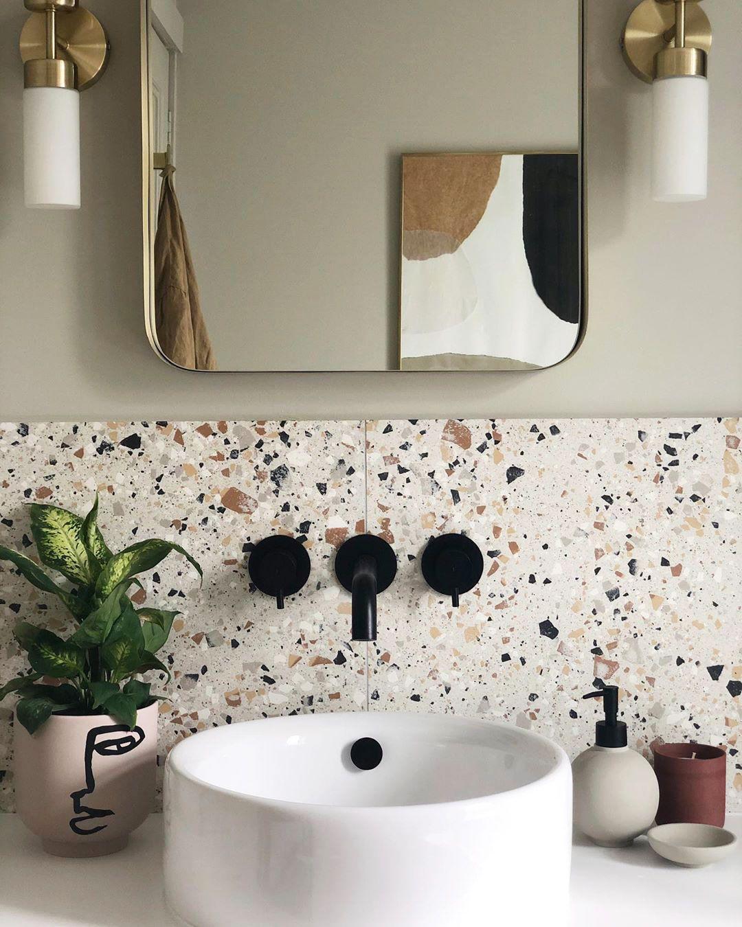 25 Best Modern Bathroom Decorating Ideas Modern Bathroom Decor Bathroom Interior Design Bathroom Interior