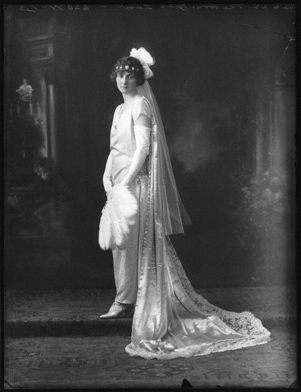 The Hon, Mrs Law, wearing a delicate star tiara bandeau-style in 1923.