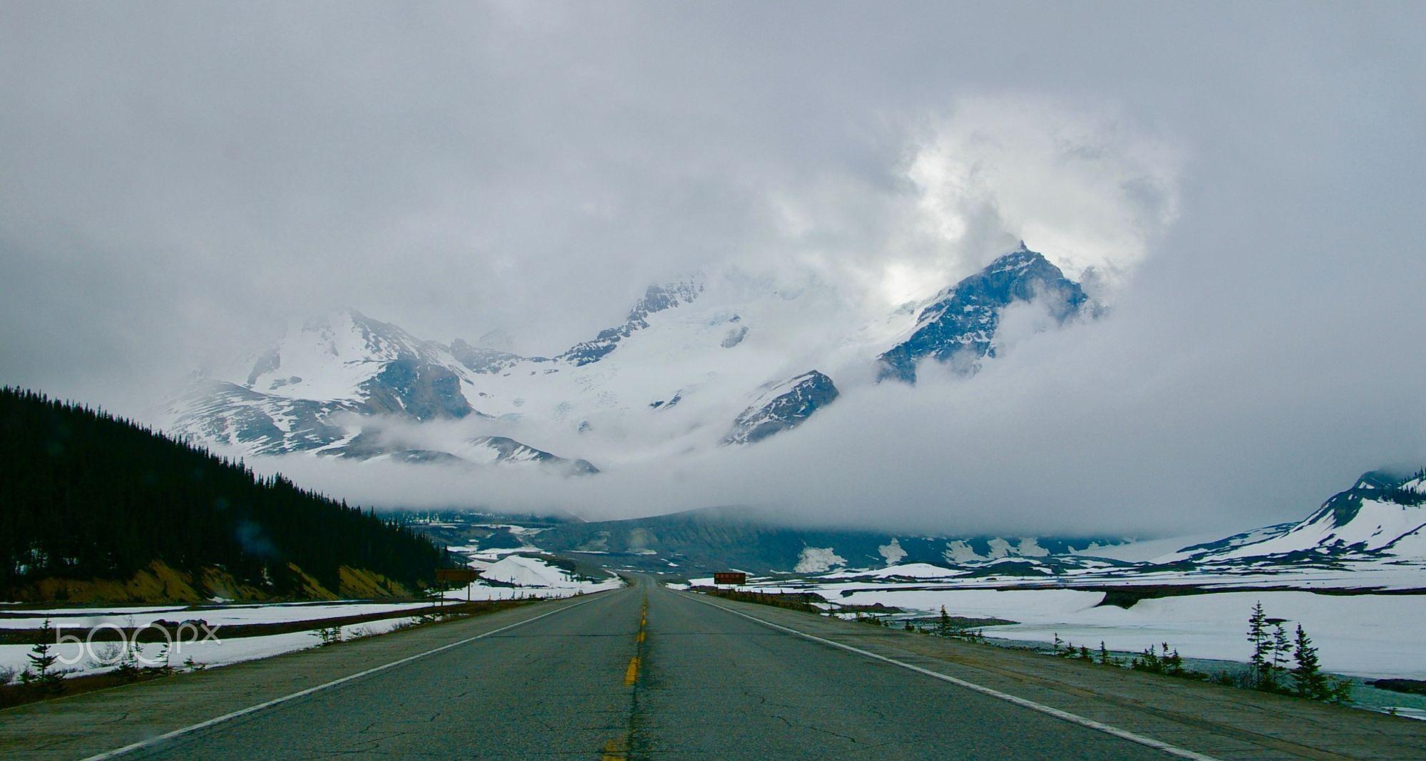 Road To Jasper  Travel photo by kchangleek http://rarme.com/?F9gZi