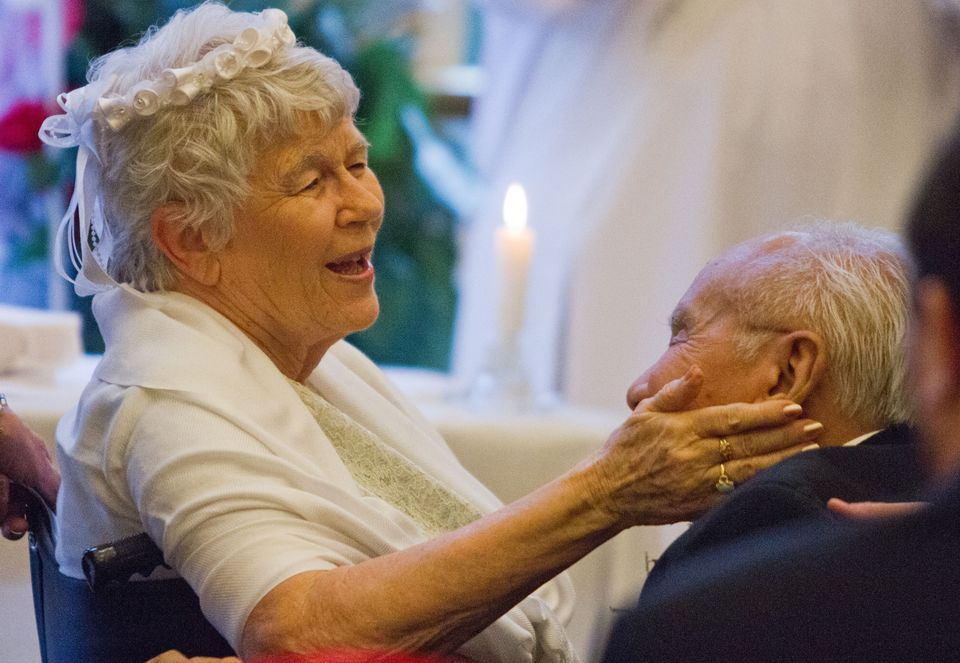 """World photo/Mike Bonnicksen:  Not quite love at first sight, the romance that sparked between Maxine Daniels and Theo Versteegh, both 85 years old, was more like love at first bite.  """"Breakfast, lunch, dinner — that's where we got to know each other,"""" said Maxine, while Theo smiled and nodded."""