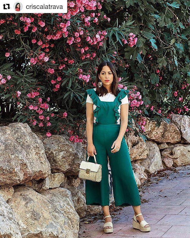 Para estar guapa este #verano  no pueden faltarte nuestras #sandalias TAIKE. @criscalatrava nos enseña cómo combinarlas para estar perfecta. Está guapísima!  #sixtysevenshoes#sixtyseven#ss17 #nuevacoleccion#summerinprogress #shoelover #shoesaddict #fashionshoes #trendy #sandals #lookdedia #trends #tendencias #fashion  #Repost @criscalatrava  Que ganas tengo de que sea mañana que ganas tengo de poder conoceros por fin a algunos de vosotros