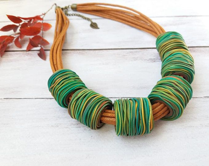 Statement chunky multicolor ethnic polymer clay bib necklace Big turquoise african fashion jewelry for women Bright designer boho collar #afrikanischemode