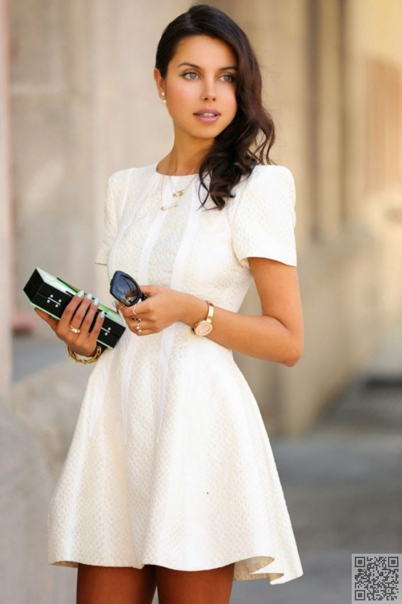 7. #Short Sleeves - Look at All #These Ways to Wear White #Dresses This Summer ... → #Streetstyle #Dress