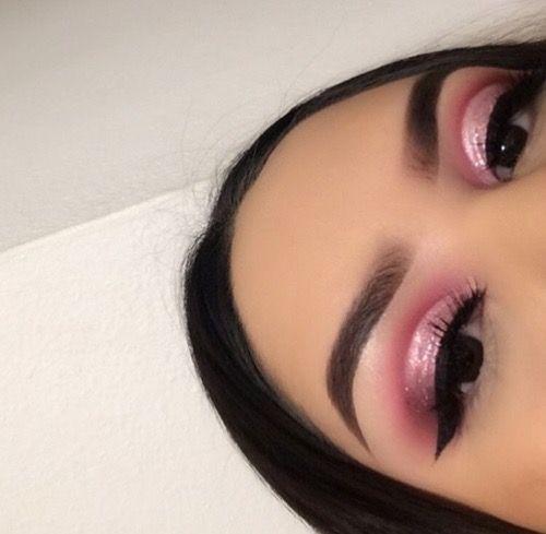 Pink eyeshadow eye makeup