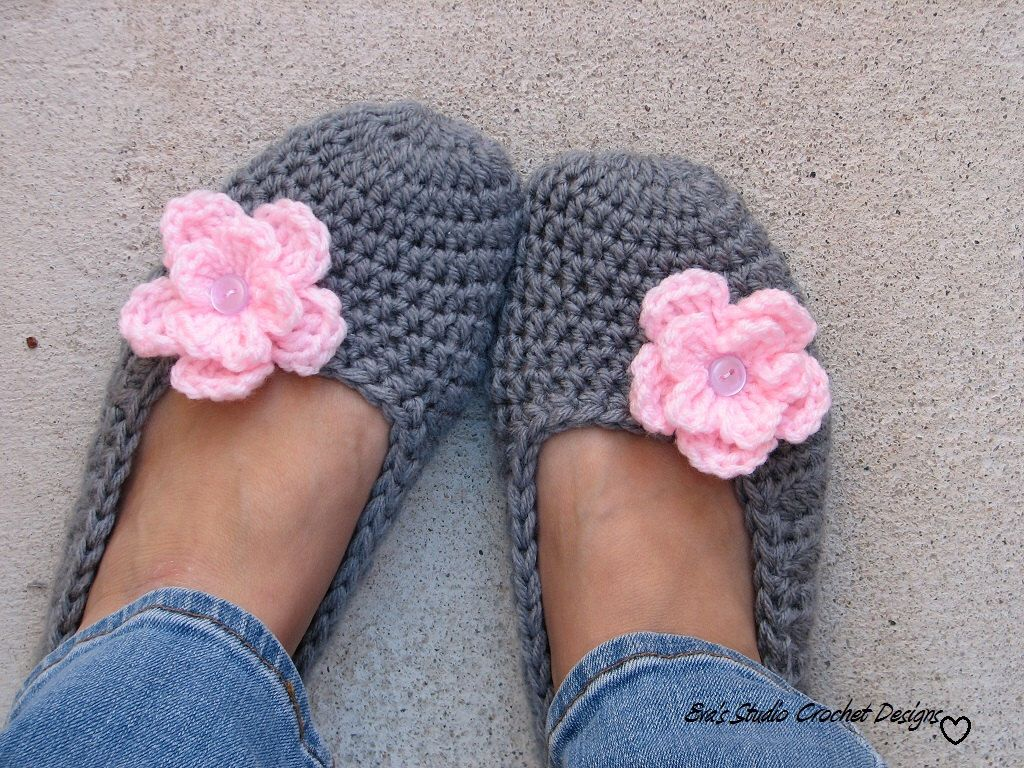 Crochet Women Slippers Grey With Pink Flower Accessories Adult