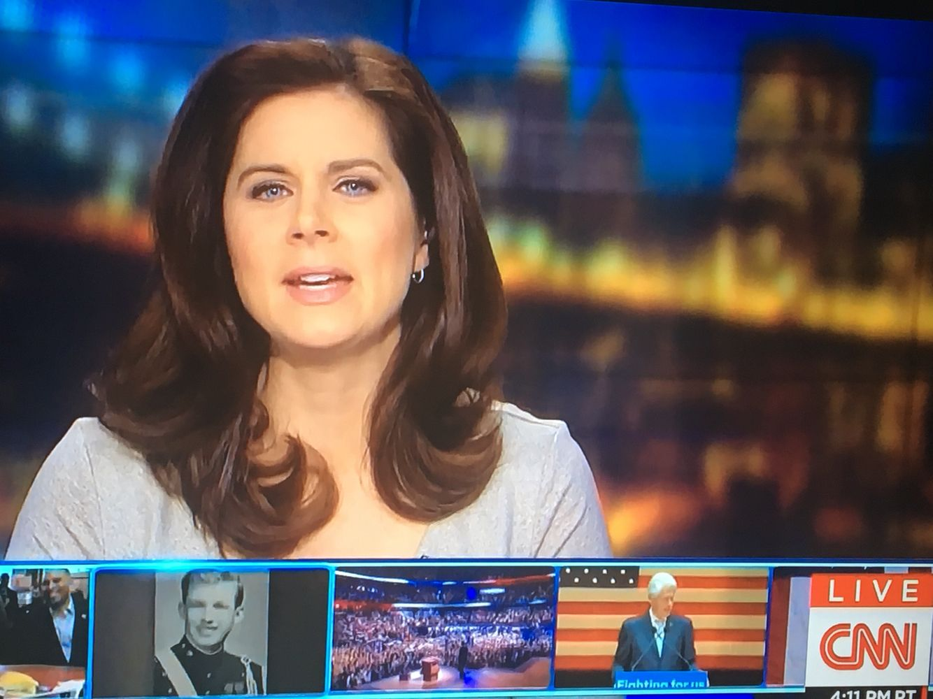 Seriously love Erin Burnetts hair Erin Burnett Pinterest