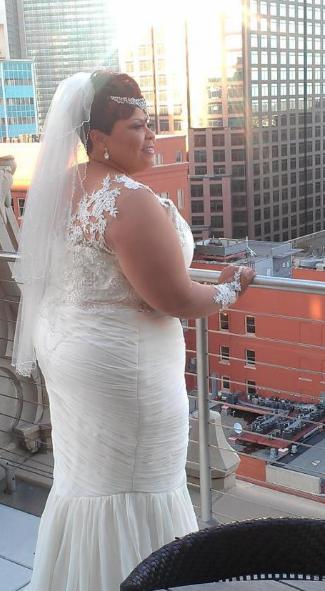 Tamela Mann Renews Vows In Beautiful Size Wedding Gown