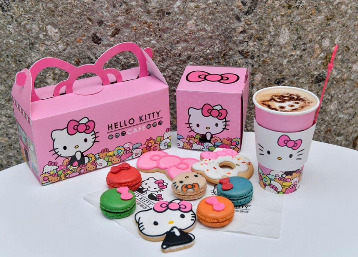 Hello Kitty café #sweets (*^ω^*)