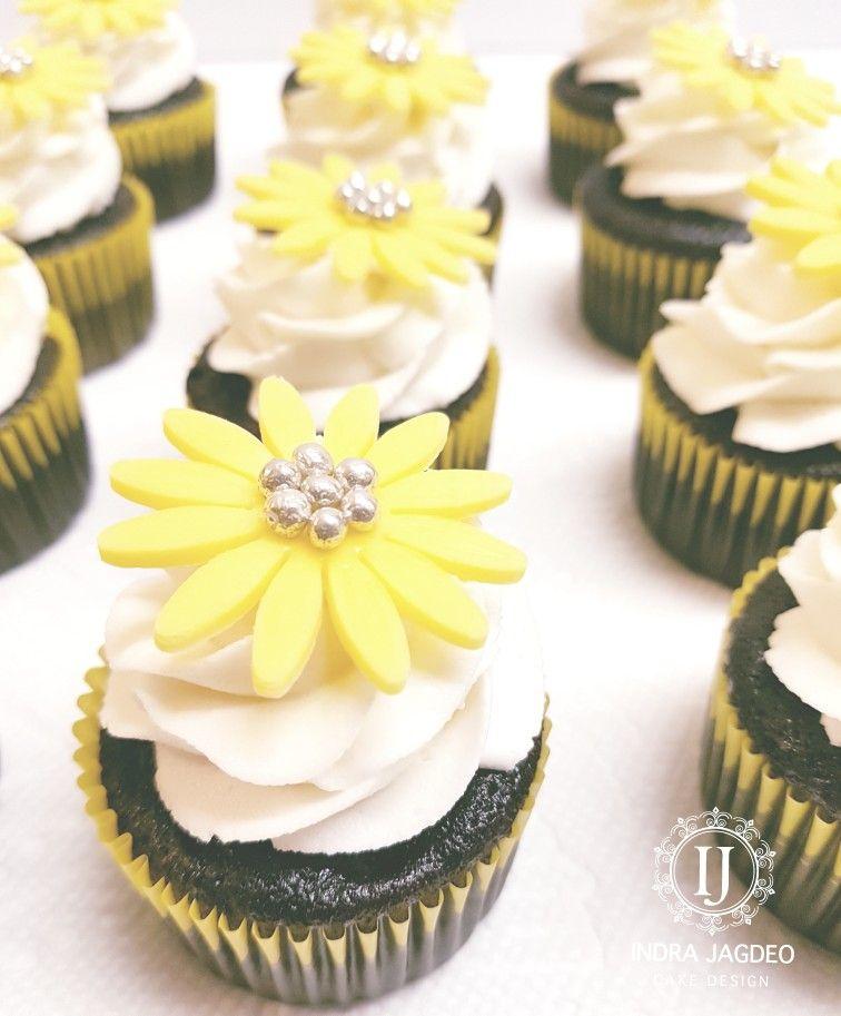 Yellow Flower Cupcakes Ij Cake Design Cake Flower Cupcakes