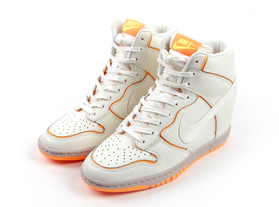 Nike Womens Dunk Sky Hi Cut Out Sail Atomic Mango