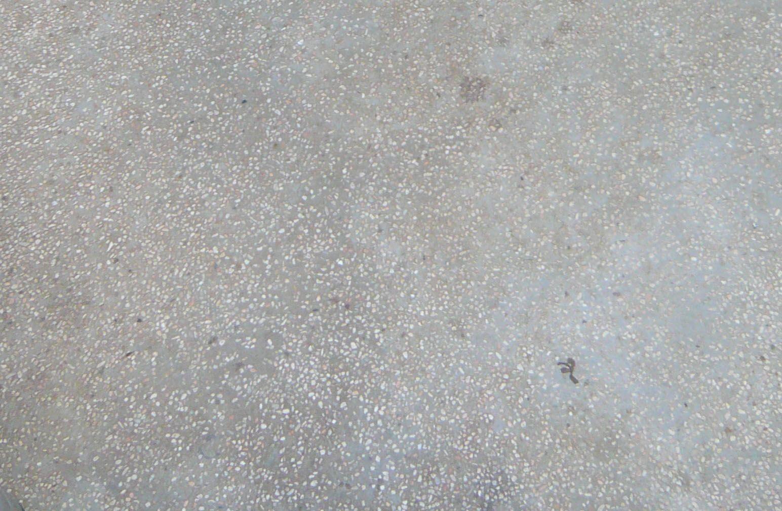 Concrete Aggregate With Small White Stones Material
