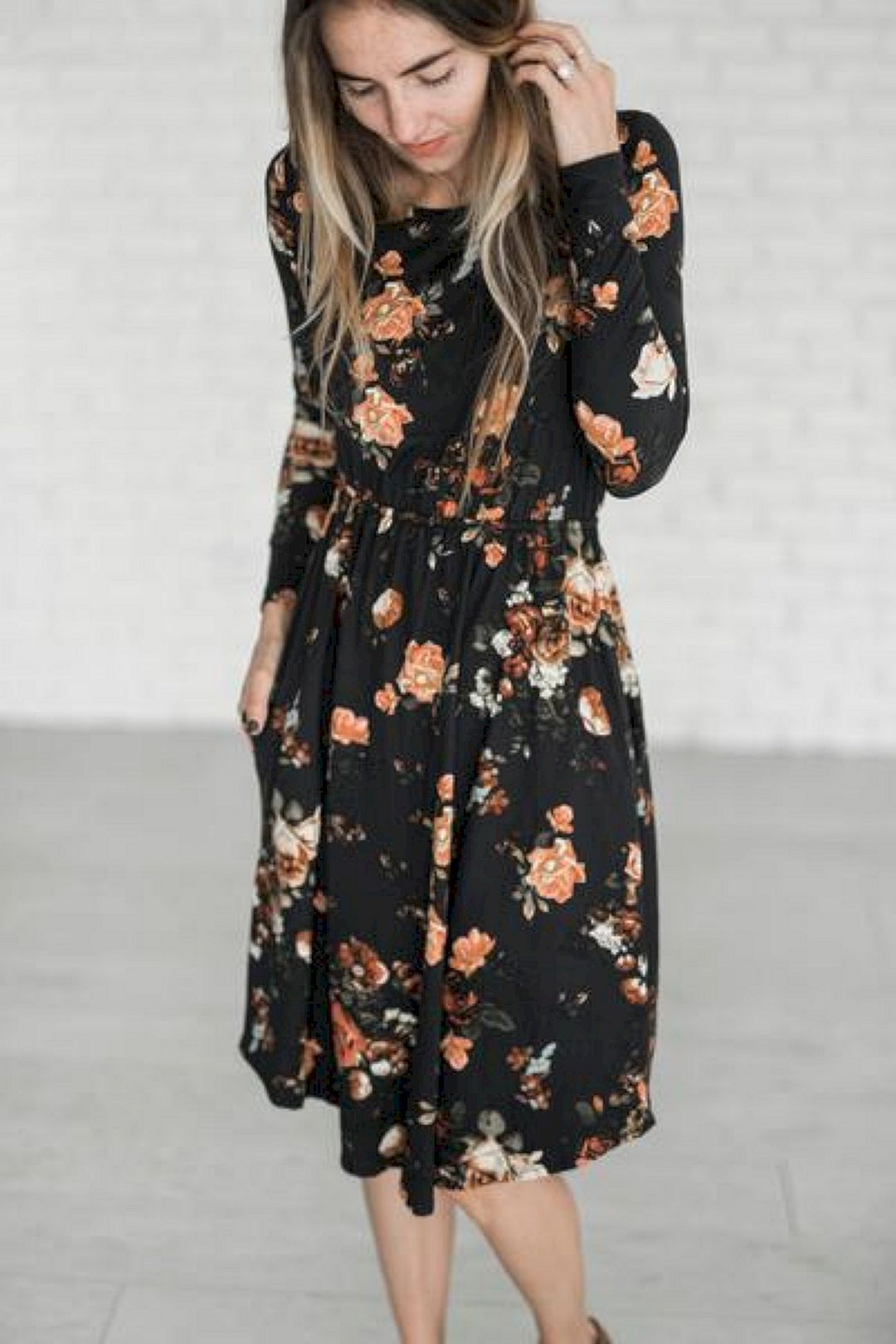 Lovely 123 Popular And Lovely Women S Floral Print Dresses Outfit Ideas Spring Summer Http Uniqlog Com Floral Print Dress Outfit Printed Dress Outfit Fashion [ 1620 x 1080 Pixel ]