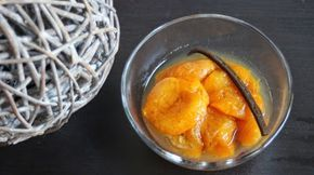 Papilles on/off: Abricots pochés à la vanille