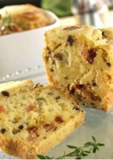 Cake au cabécou du Périgord, olives noires et tomates séchée - Faites chauffer le four à 175 °C et beurrez un moule à cake.Coupez les cabécous en ...