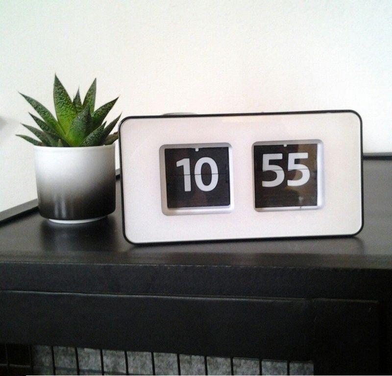 1590 Retro Flipklok | Klokken | At Home Living | Things: Everyday ...
