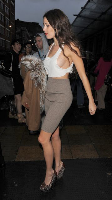 Today we love : pencil skirt | FashionCandy