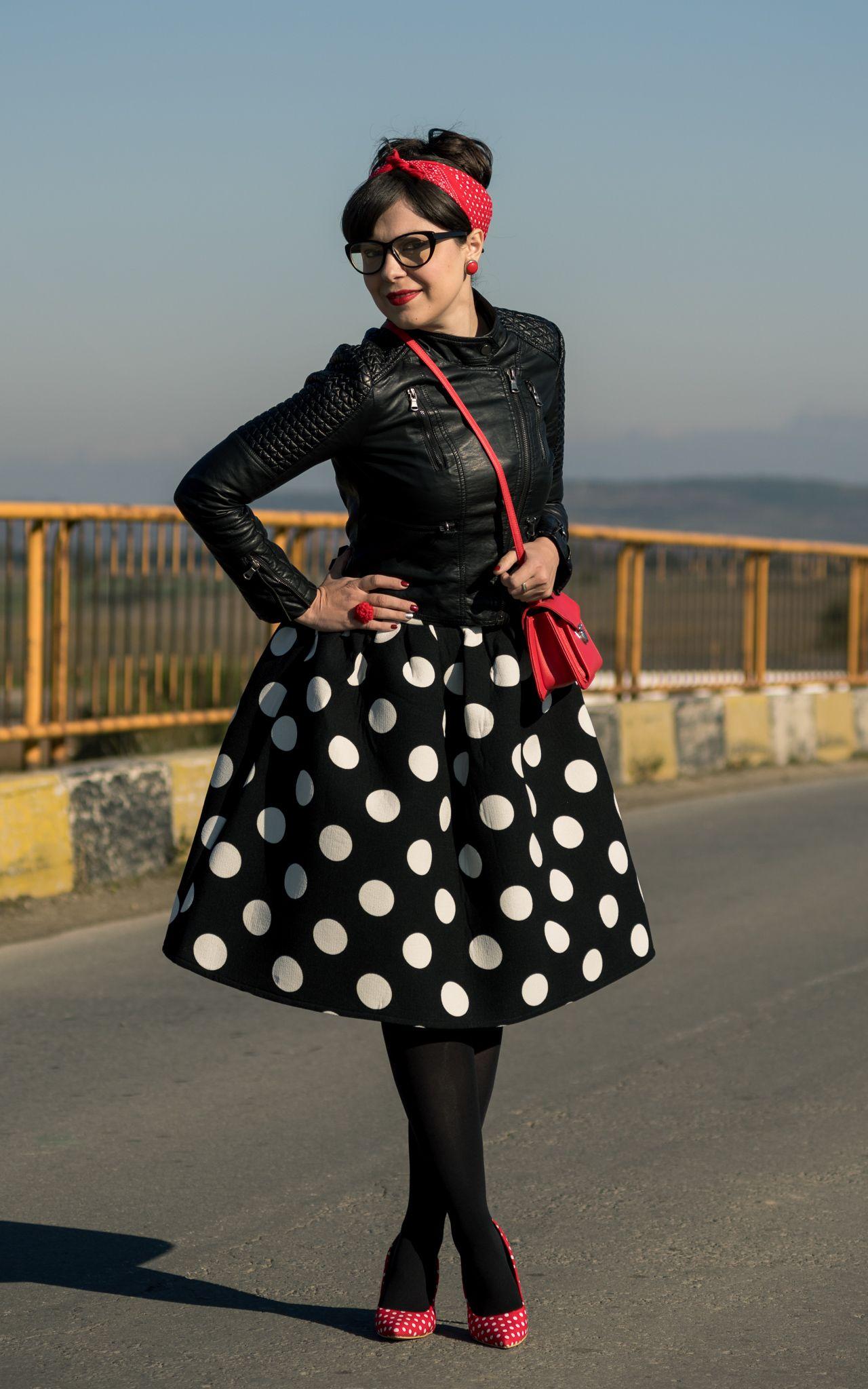 easy diy halloween costume - modern pin up girl | rockabilly style