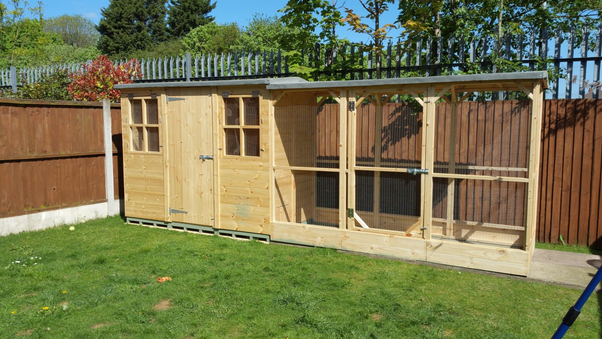 Large Apex Rabbit Shed With Shelterd Run Rabbit Shed Rabbit
