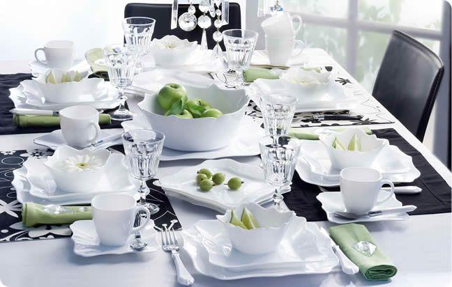 Slávnostné prestieranie stolov - slávnostné stolovanie :: STOLOVANIE