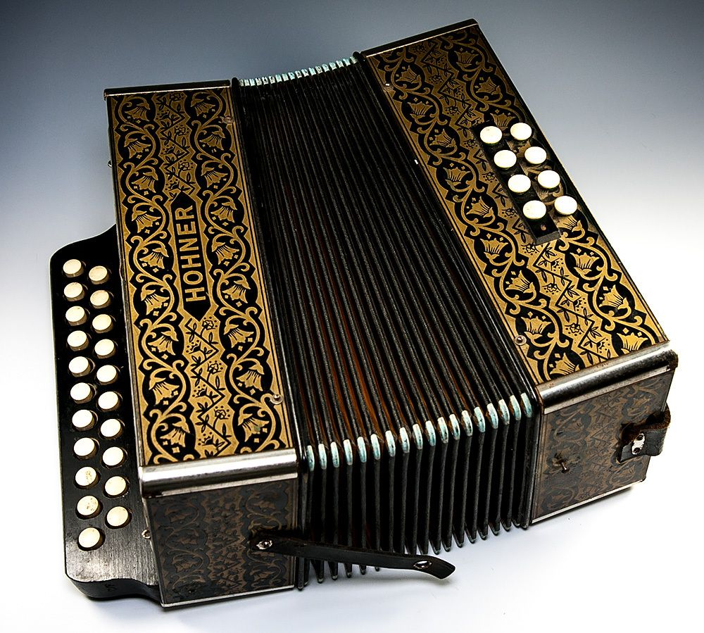 Excellent Vintage to Antique Hohner Accordion, Plays Perfectly