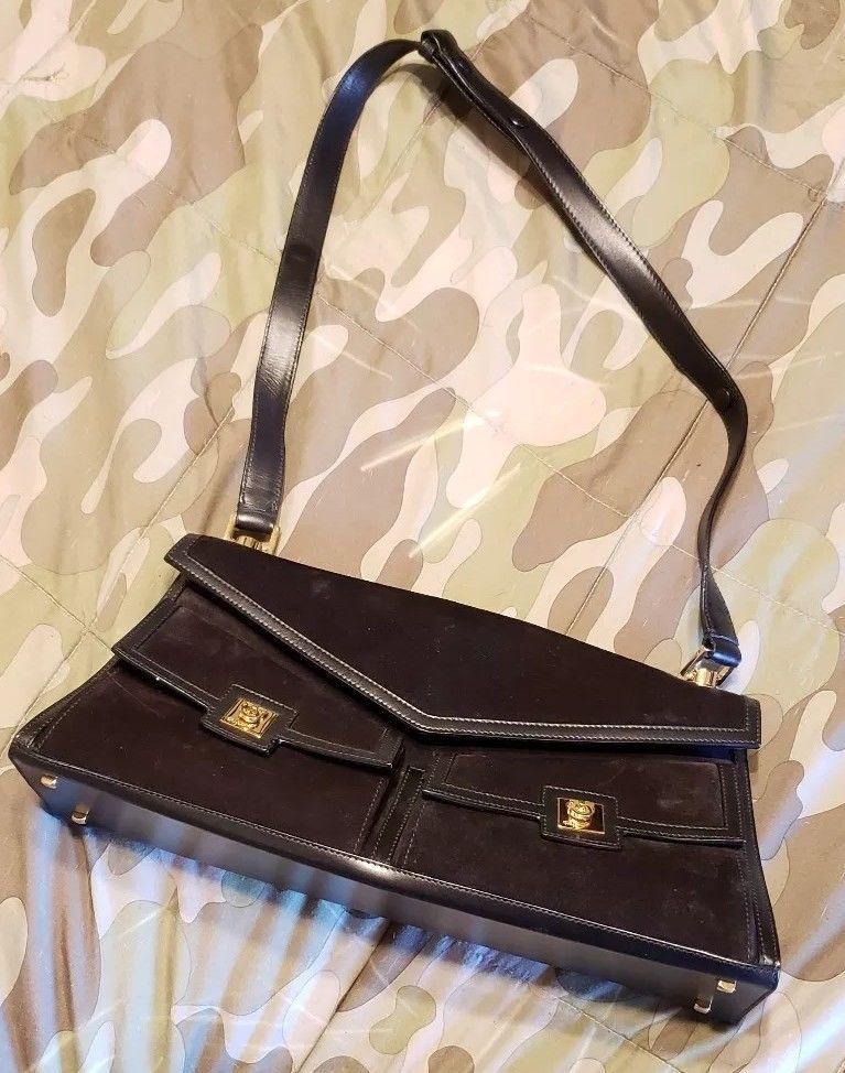 Auth Salvatore Ferragamo Gancini Shoulder Bag Black Suede Leather Italy  909510 2be862772cbb1