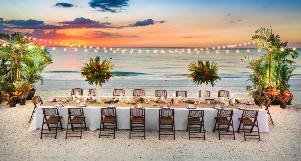 Google Image Result For Https Www Paradisecoast Com Sites Default Files Styles Hero Public Wedding Dinner On The Beach Hilton Marco Island Beach Resort Spa R Di 2020