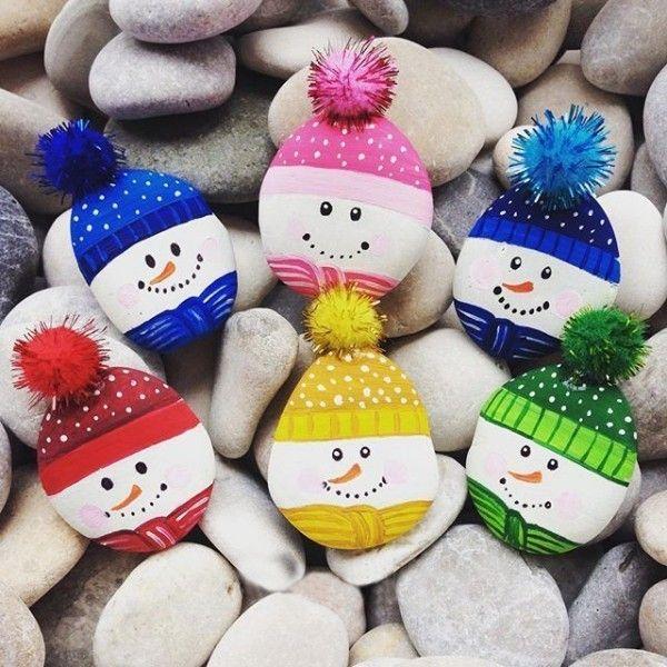 100 kreative Ideen für Steine bemalen in Weihnachtsstimmung! #wichtelgeschenkideenselbermachen