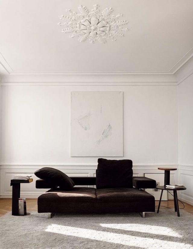 Minimal Contrast Relaxed Living Space Interior Design - Apartment soft minimalist decor