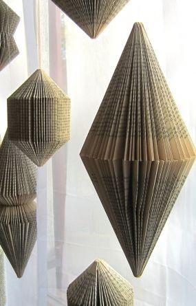 hanging book sculpture bicone folded books b cher b cher falten b cher und origami buch. Black Bedroom Furniture Sets. Home Design Ideas