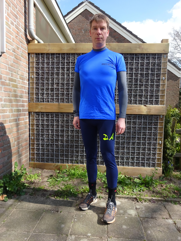 Blauwe Sportlegging.In Een Groene Blauwe Sport Legging Van Recycle Polyamide Stretch